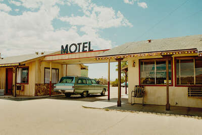 curated retro artworks: Motel by Sarah Johanna Eick