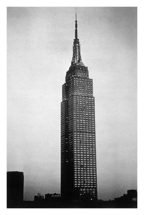 Empire State Building II, 2000 von Sheila Metzner | Trunk Archive