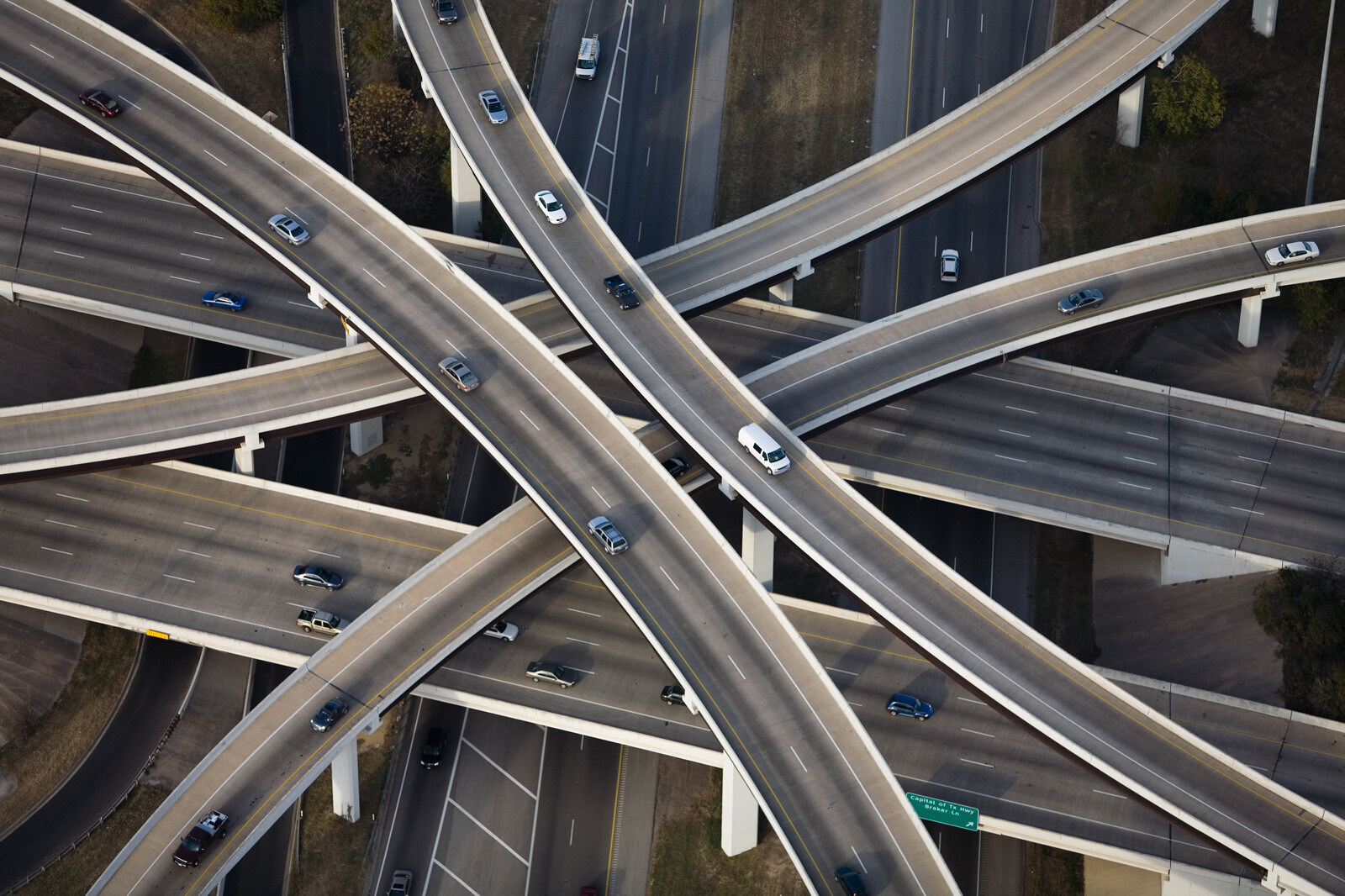 Inverted Cloverleaf interchange RT1 and RT183, Austin, Texas von Alex Maclean
