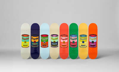 Designobjekt: Set of 8 Coloured Campbell's Soup Cans de Andy Warhol