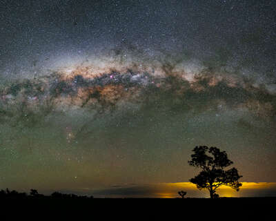 landscape photography:  A Galactic Night of Planet Earth by Babak Tafreshi