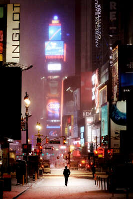 Winterbilder: Man on broadway von Christophe Jacrot