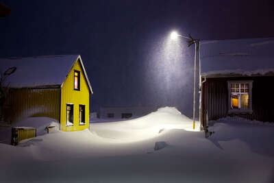 Winterbilder: The Yellow House von Christophe Jacrot