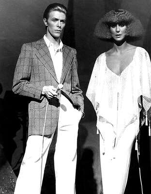 figurative art:  Cher and David Bowie by Classic Collection I