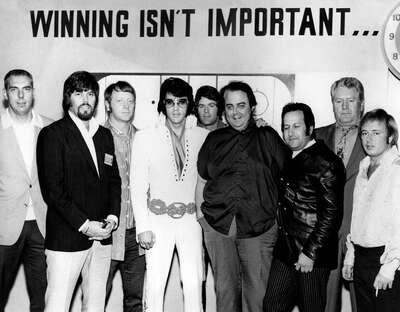 Elvis Presley with Joe Esposito and Vernon Presley de Classic Collection I