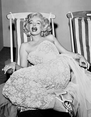 Marilyn Monroe Bilder: Marilyn by Frank Worth von Classic Collection I