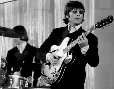 John & Ringo by Classic Collection I
