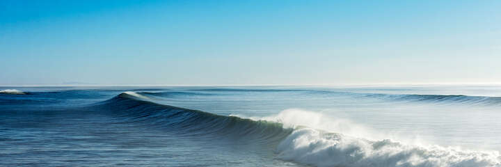 Panoramic Wave by Daniel Reiter