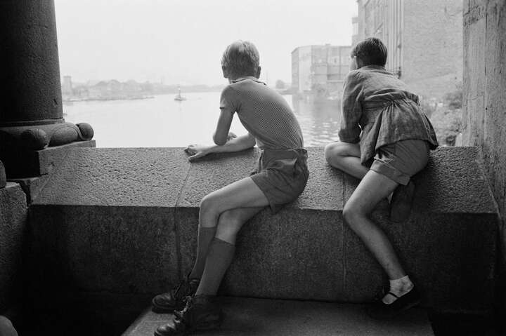 Blick nach Ostberlin by Erich Lessing