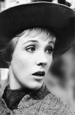 Histoire de la photographie : Julie Andrews as Maria I de Erich Lessing