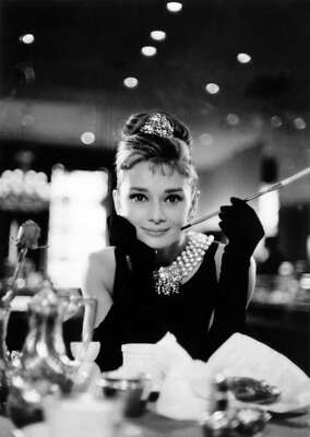 Schwarz Weiß Bilder: Holly Golightly II (Audrey Hepburn) von Blake Edwards
