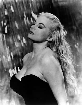 black and white nude and erotic art: Sylvia II (Anita Ekberg) by Federico Fellini