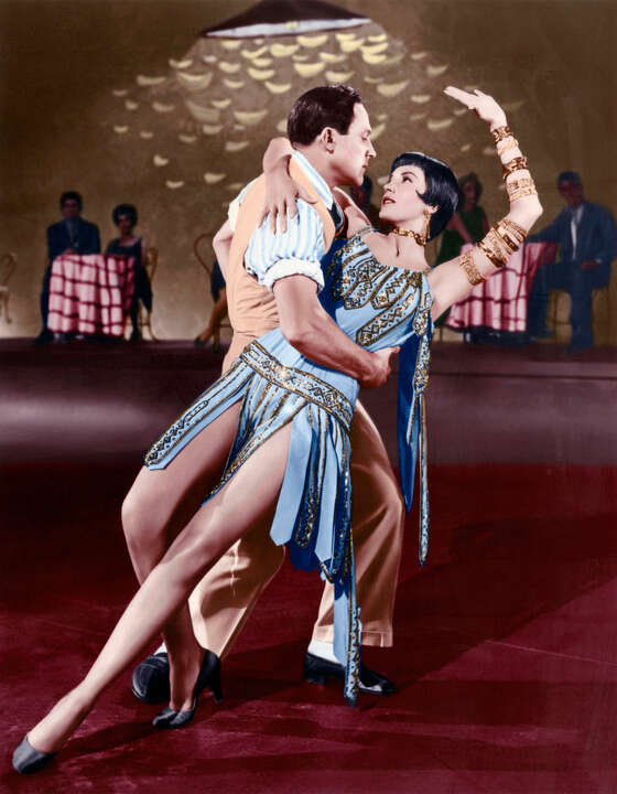 Don Lockwood (Gene Kelly) und Tänzerin (Cyd Charisse) by Stanley Donen & Gene Kelly