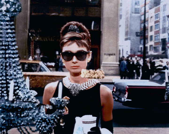 Holly Golightly (Audrey Hepburn) de Blake Edwards