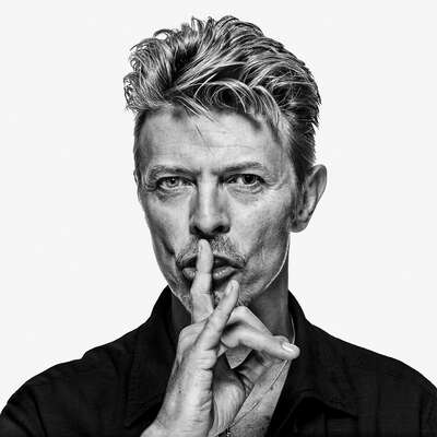 figurative art:  David Bowie OE3 by Gavin Evans