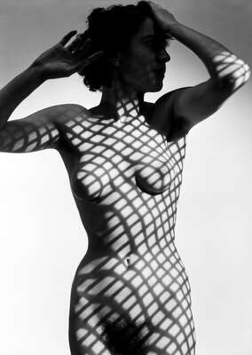 nude art photos  Kleid aus Licht, #109_16a by Heinrich Heidersberger