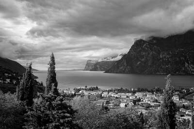 Black and White Landscape Prints: Lago di Garda by Helmut Schlaiß