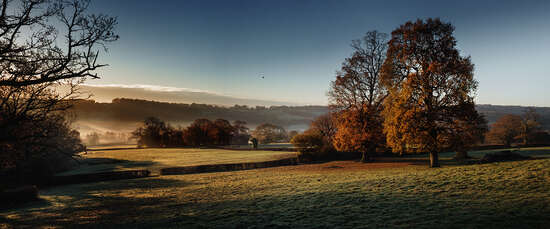 Glebe House Estate, Morning View von Justin Barton