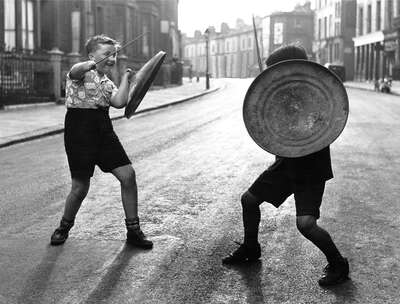Vintage Photography: Dustbin Gladiators by John Drysdale