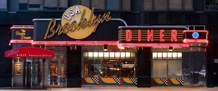 Brooklyn Diner, Times Square von James & Karla Murray