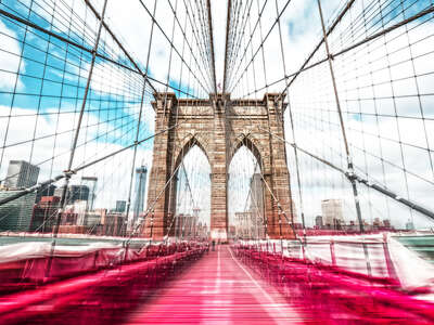 New York Bilder: Brooklyn Bridge in Red von Johannes Weinsheimer