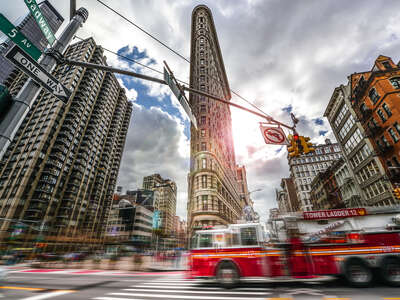 architecture photography:  Flat Iron by Johannes Weinsheimer