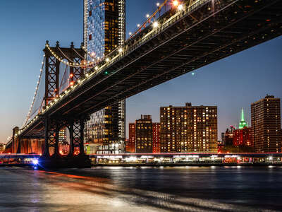 Manhattan Bridge at Night by Johannes Weinsheimer