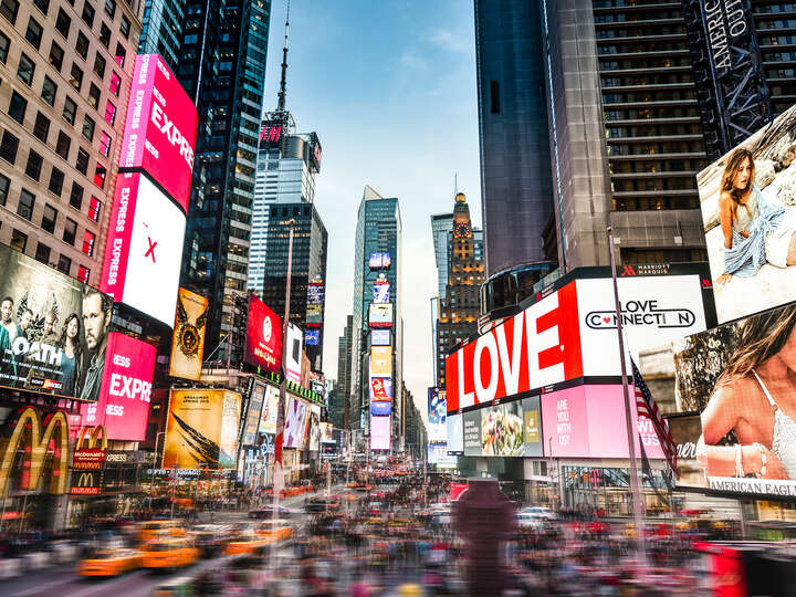 Love at Times Square by Johannes Weinsheimer