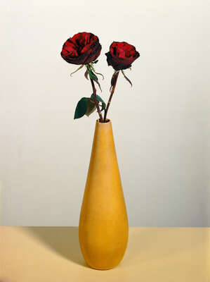 Still Life Art  Rosen 2 by Kris Scholz