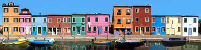 Gifts for acquaintances or colleagues: Venice, Burano, Fondamento Caravello by Larry Yust