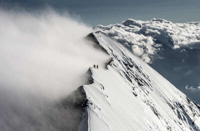 Eiger II, Mittellegigrat, Berner Alpen, Schweiz / Christian Gisi by Mammut Collection