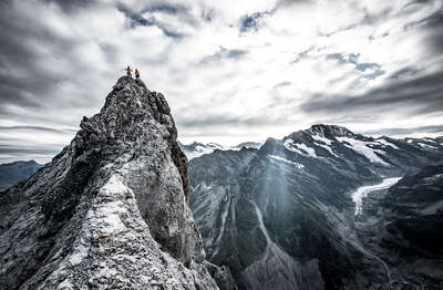 figurative art:  Eiger III,  Mittellegigrat ,Berner Alpen, Schweiz / Thomas Senf by Mammut Collection