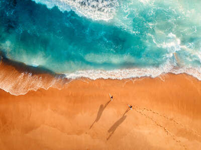 Beach wall art: Two Surfers by Peter Yan