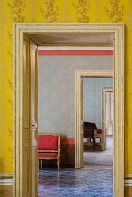 Curated yellow artworks: Palazzo Nicolaci by Reinhard Görner