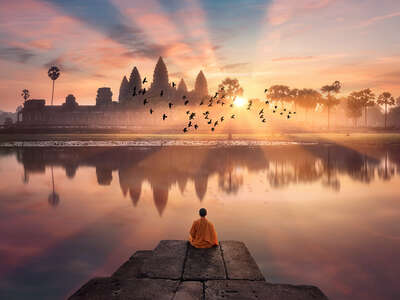 figurative art:  Angkor Wat by Robert Jahns