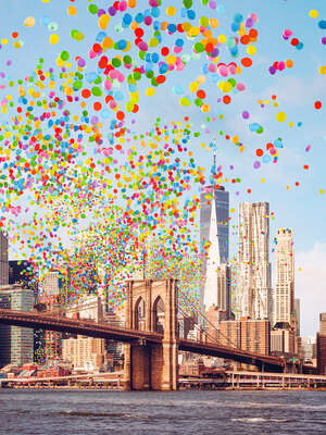 water art photography:  Brooklyn Bridge Balloons by Robert Jahns