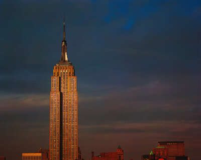 New York Pictures: Empire State Building by Reinhart Wolf