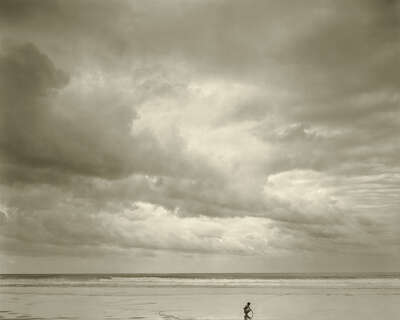 Maia; Montalivet, France, 1992 de Jock Sturges | Trunk Archive
