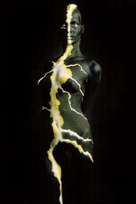 "nude photography:  Yellow Flash by ""veruschka"" Vera Lehndorff&holger Trülzsch"
