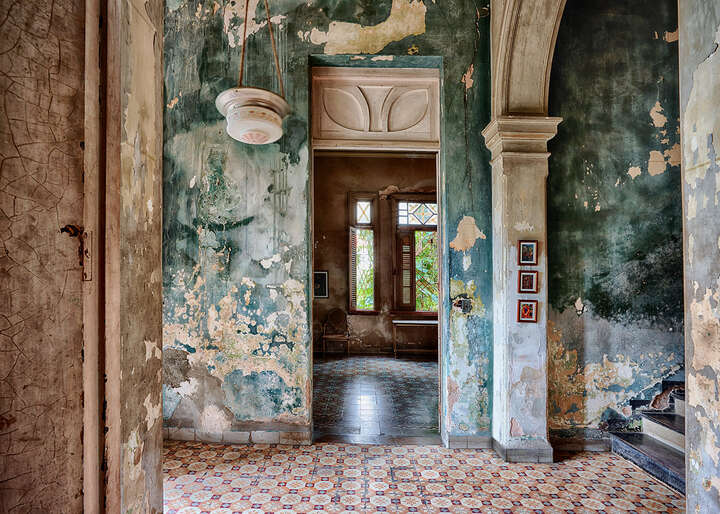House of Fefa (hall) - Havana by Werner Pawlok